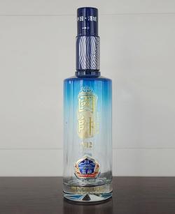高白玻璃瓶喷釉烤花瓶